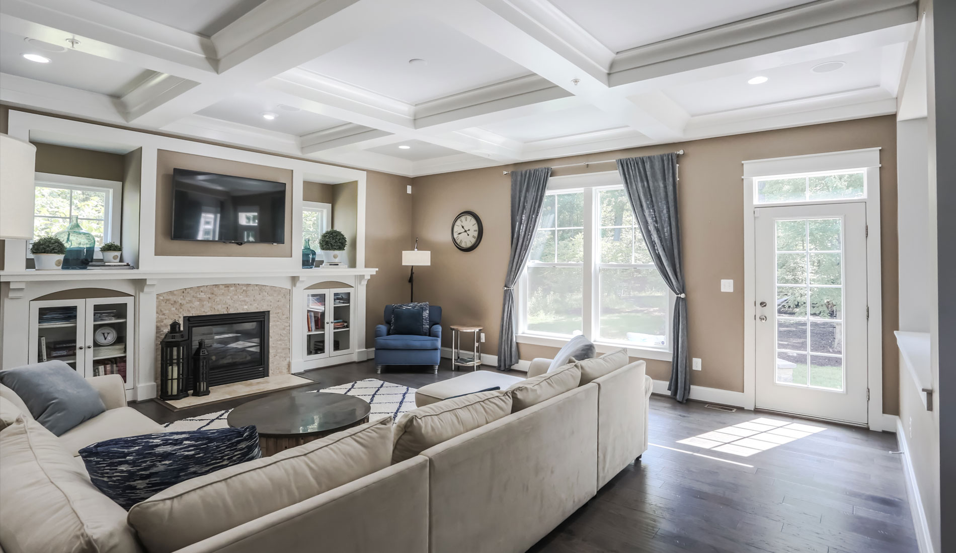 Real Estate Photography & House Photography, blue accent livingroom